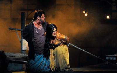 ENO The Pearl Fishers Robert McPherson and Claudia Boyle 3 (c) Robbie Jack