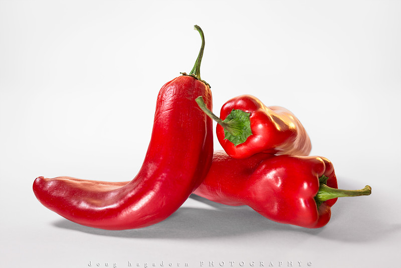 3 Red Peppers (#0473)