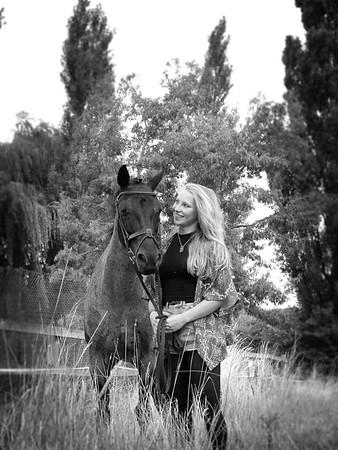 Rachel Bomphrey & Smokey 15.8.13, Portrait