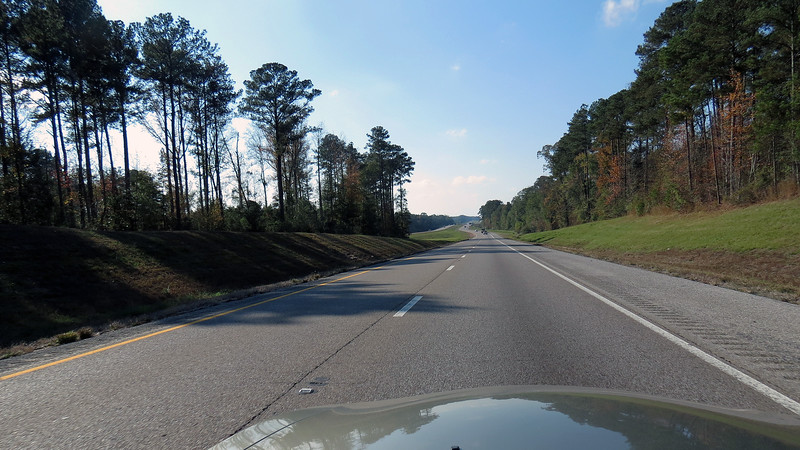 The scenery along Interstate 20 through Alabama and Mississippi looks like what I'm used to seeing when traveling in the eastern US.  This area near Chunky, MS could also be anywhere along Interstates 80 or 99 through Pennsylvania.