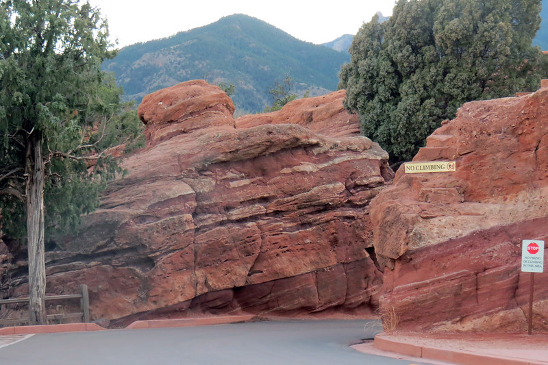 The park is known for its abundance of sedimentary rock formations of deep-red, pink, and white coloring.