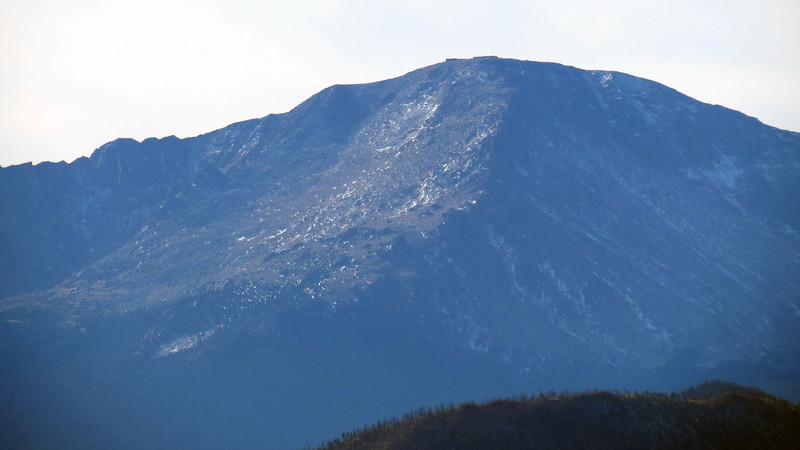 Zooming in on Pikes Peak (14,115 feet).