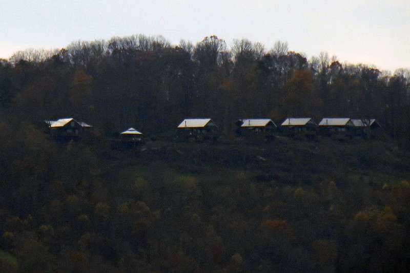 The photos above are of the Grand Summit Cabins on the northeastern section of Sand Mountain across the border in Alabama.  Those buildings are actually rental cabins.