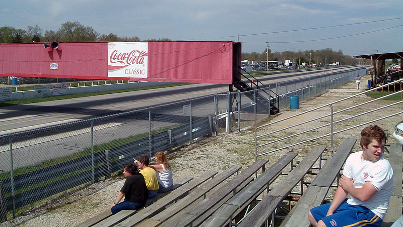 A walkway over the track provided access to the grandstands.