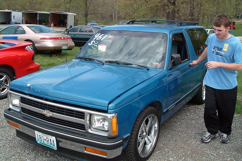 Joe's ride was a modified Chevrolet S10 Blazer.
