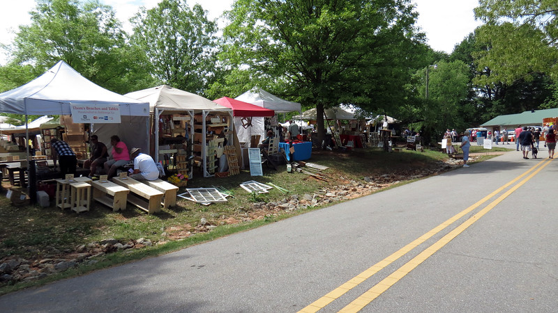 The city of Braselton, Georgia holds an Antique & Artisan Festival twice per year at Braselton Park in the city's downtown area.  Danita is a lover of the arts and wanted to check it out today.