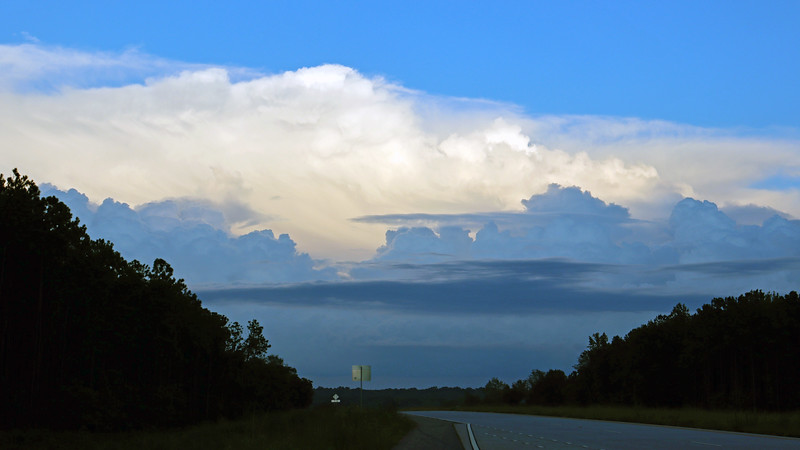 The photos above and below look east back toward Elberton where I just came from.