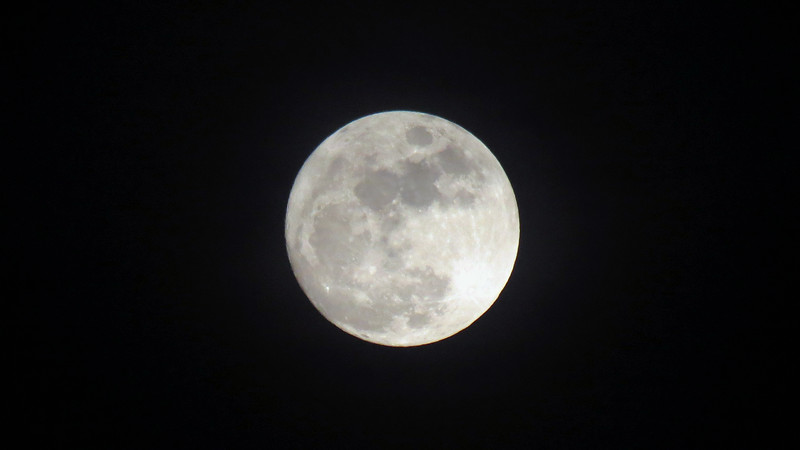I get to enjoy a full moon this Christmas.