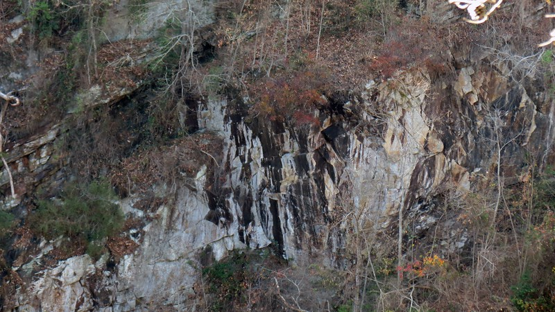 Zooming in on the upstream gorge walls.