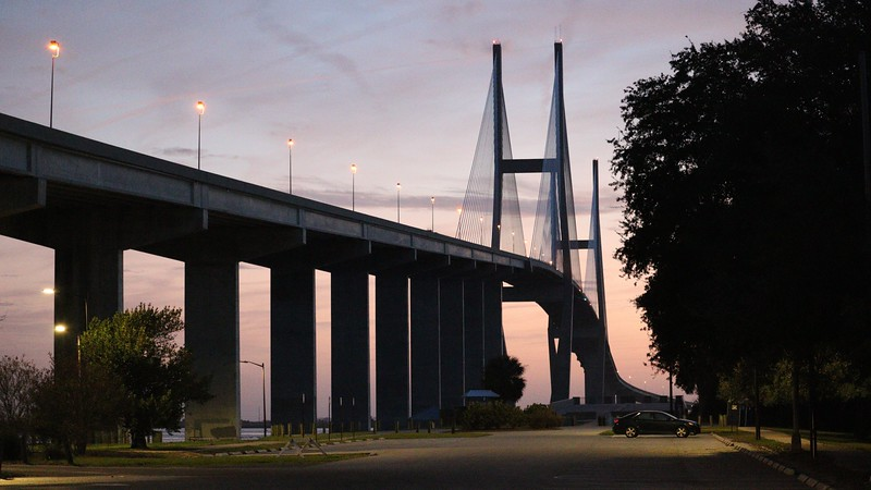 The Sidney Lanier Bridge carries US Route 17 and Georgia Route 25 across the Brunswick River in a north-south direction just south of the city.