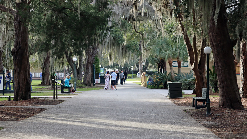 We turned onto Pier Road which runs east-west through the center of the Historic District.  In its heyday, the Jekyll Island Club mimicked a small city.  Various support services were needed, many of which were located along Pier Road.  As the name implies, Pier Road eventually leads to the wharf area where supplies, and residents with large private boats, arrived at the island.  Today, Pier Road is home to various Island shoppes.  The Commissary, seen on the right in the photo above, used to be the General Store for the Club members.  Georgia-based foods can be purchased there today.