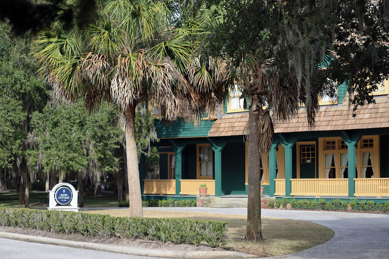 Retired owner of the Philadelphia Marble Works, Willilam Struthers, was an early member of the Jekyll Island Club from 1887 - 1890.  After being absent for a few years, Struthers returned to the Club in 1895 and built Moss Cottage a year later.