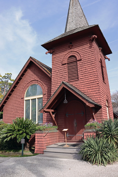 The Faith Chapel was an interdenominational chapel that was open to Club members, guests, and employees.  It was built in 1904 to replace an earlier chapel that was quickly outgrown.