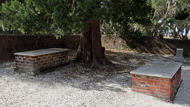 Five graves are identified within the cemetery walls.  The forward row of graves belongs to the immediate family of Joseph duBignon, Christophe's grandson.  The first grave on the left in the photo above is that of Marie Felicite Riffault who was Joseph's mother-in-law.  The middle grave, (on the right in the photo), is that of Joseph duBignon.
