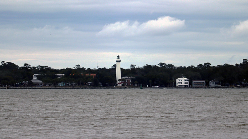 There are other things to zoom in on besides the capsized ship.  The St. Simons Island Light Station is visible from here.  Now that I think about it, this would probably be a great place from which to view the ship.