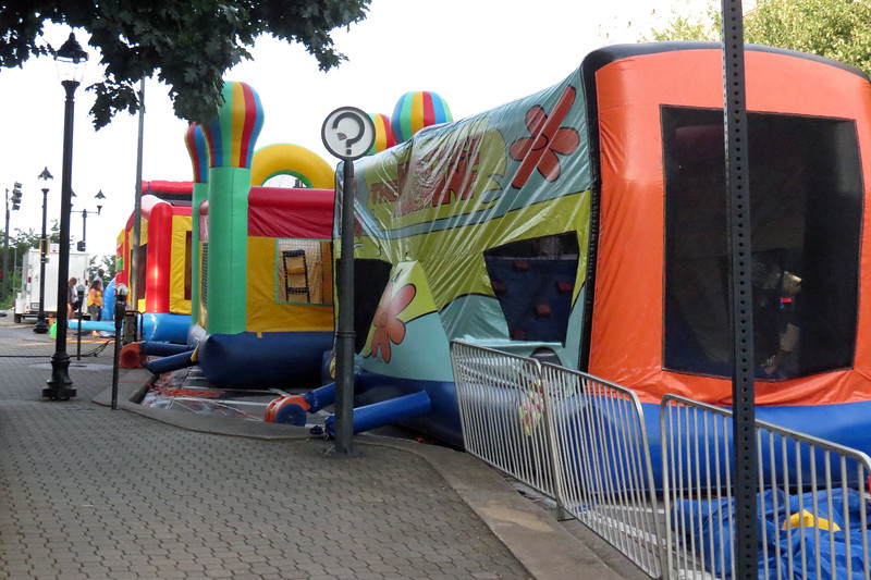 As expected, the kids area was at the much quieter opposite end of the festival as the main stage.