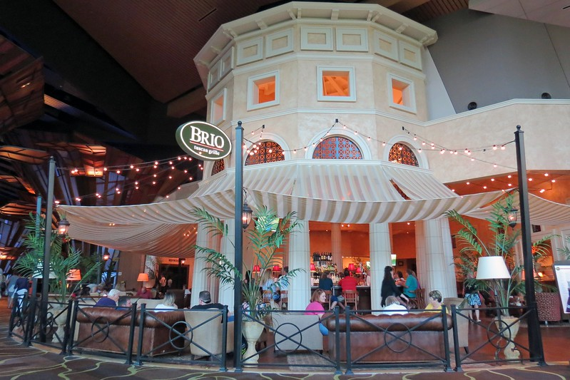 The Italian-themed BRIO Tuscan Grille sits at the other end of the second floor hall.