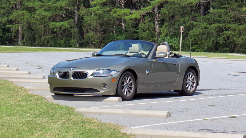 Taking advantage of the beautiful day, my friend, Danita, and I took the Z4 to Lake Hartwell, stopping first at the Hartwell Dam overlook on the South Carolina side of the Savannah River.
