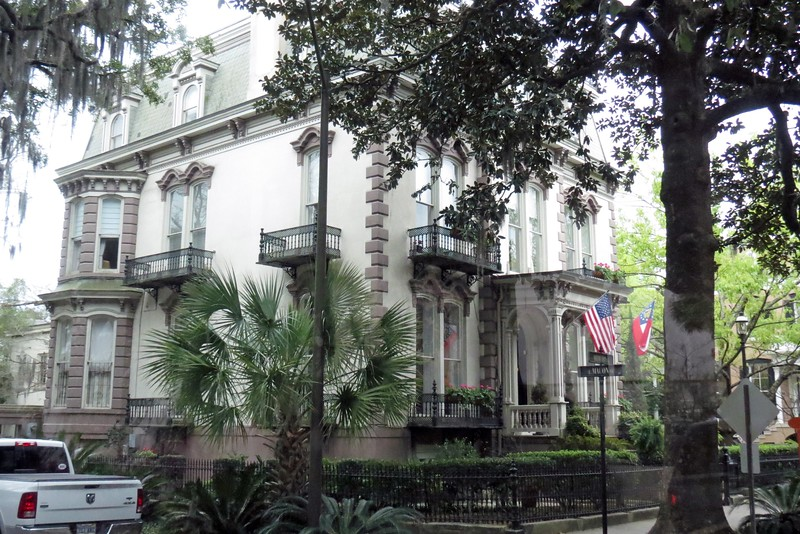 The original owner was local jeweler and former mayor Samuel Hamilton.  This was one of the first homes in Savannah to be fitted with electricity.  The home is now a Bed & Breakfast Inn.