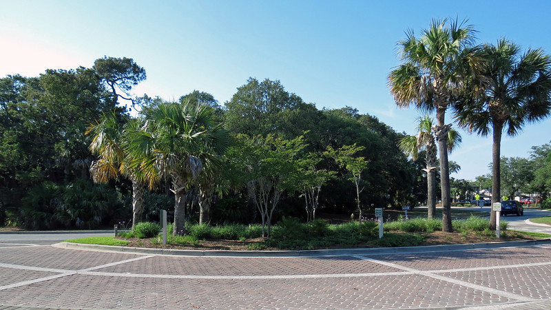 Entrance to the park is located off of Coligny Circle.