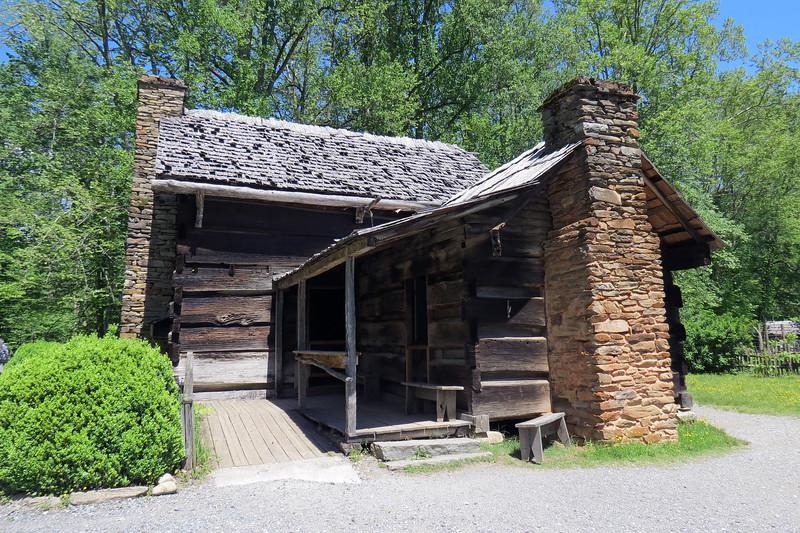 The rear of the Davis Cabin.
