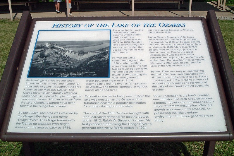 One display gives a nice overview of the Bagnell Dam and the creation of the Lake of the Ozarks.