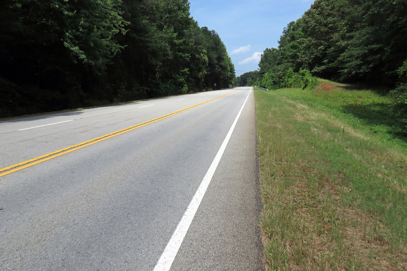 From the Hartwell Dam, I had to backtrack to the Big Oaks Recreation Area, (thanks to the previously mentioned closed access road I encountered on the paved trail), to get to Route 29.