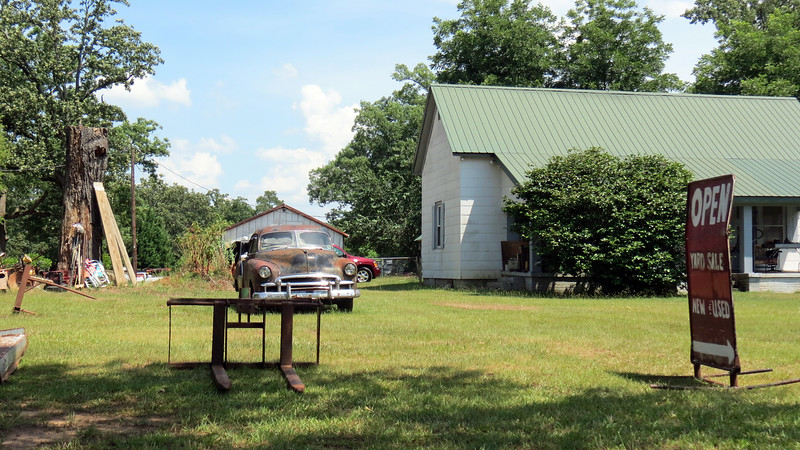 I kept pedaling along Route 29 and happened upon a flea market in the town of Starr, South Carolina.