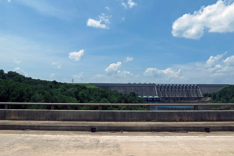 I turned the other way and held the camera button down again hoping to get a few good pics of the Hartwell Dam.
