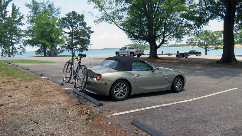 Today's bicycling adventure took me east to the Georgia/South Carolina border at Lake Hartwell.  I attached the hitch to the Z4, loaded up the bicycle, and hit the road on my way to the Big Oaks Recreation Area on the Georgia side of the lake.  Big Oaks is about 50 miles from my home in Athens and would serve as my start/finish line.