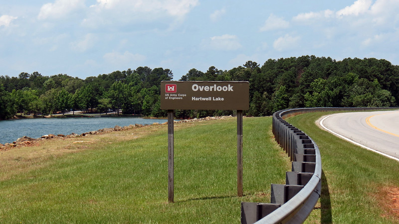 The South Carolina side of the lake features several overlooks and access points in this area.  The overlook in the photo above is the second access point once across the border.  I pulled in to see what I could see.