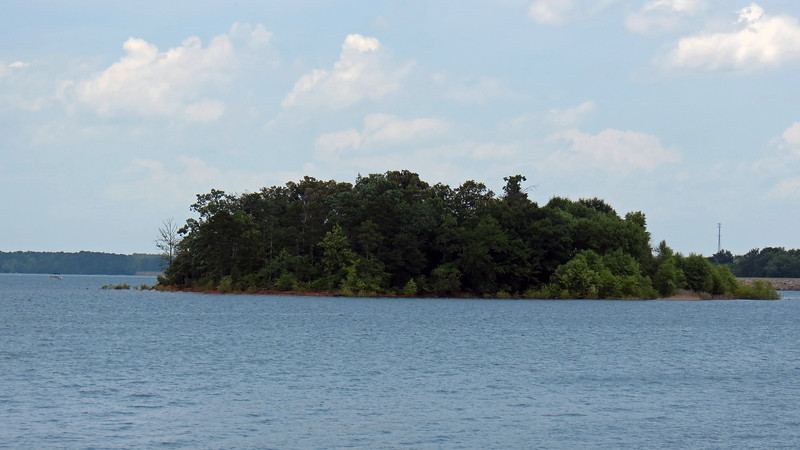 I've visited this place before, but never with my bicycle.  As usual, I stopped to take a few pics before heading out.  The photo above looks out over Lake Hartwell to one of its many small islands.