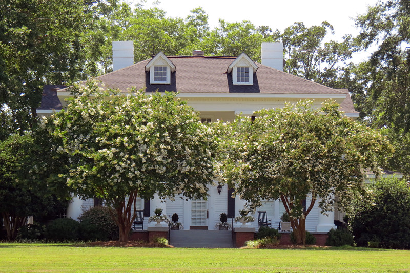 This is Evergreen Plantation, a 19th century farm that is now a large restored wedding and event facility.