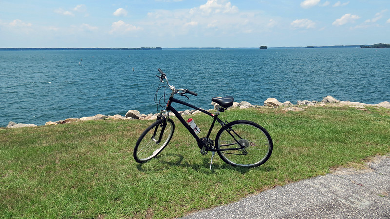 I continued on the trail until I reached the Hartwell Dam.