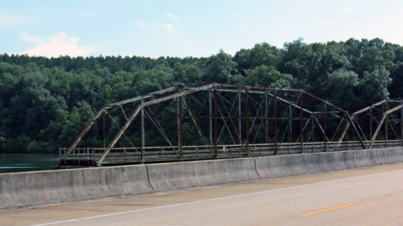 The abandoned old bridge got my attention !  I definitely have to check this out.