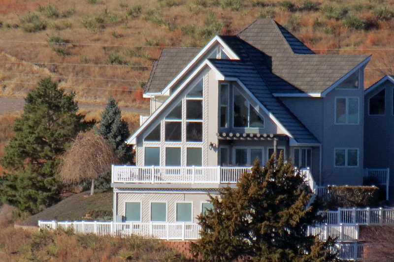 Nice home along Lake McConaughy.
