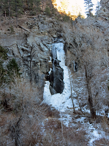The best time for viewing the falls appears to be in the spring during the snow melt.  But it's also popular with ice climbers when it is completely frozen over in the winter.