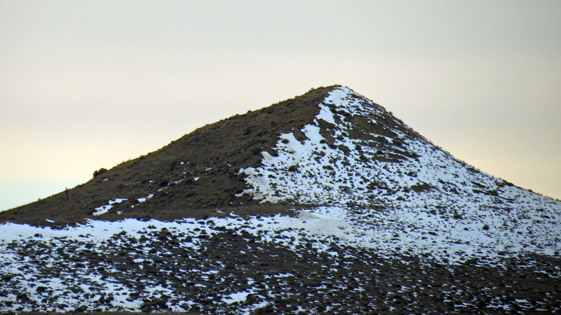 I zoomed in on an unnamed summit off in the distance to the west.