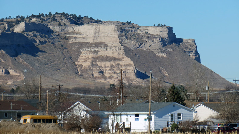 In the photo above, I'm zooming in on the northern side of the Monument.  This is, technically, the northern end of Scott's Bluff (4,649 feet).  Access is via the Saddle Rock Trail that takes hikers from the Visitor Center to the top of Scotts Bluff and the north and south overlooks.