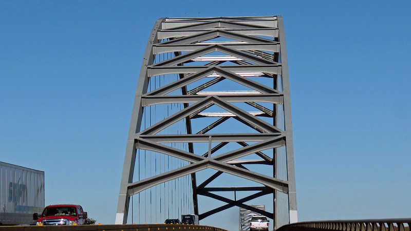 Crossing the Ohio River on I-24, Paducah, Kentucky.