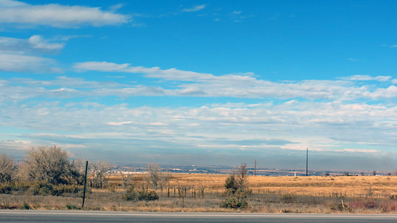 Even as I was getting closer to town, the wide open spaces were still plentiful.  I was only about 8 miles away from the center of a town with a population of 100k people when I took the photo above.  Yet I had plenty of wide open space all around me.