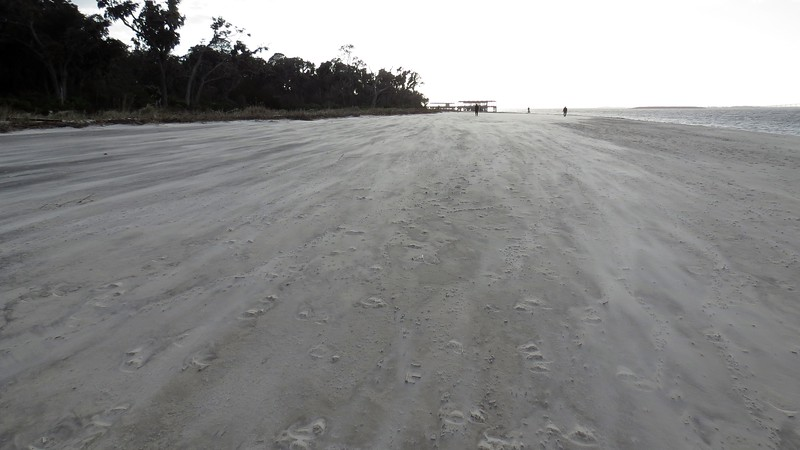 The effect with loose sand being blown about caused by the strong wind was pretty cool.
