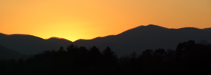Two picture panorama of the sunset from Franklin, North Carolina.