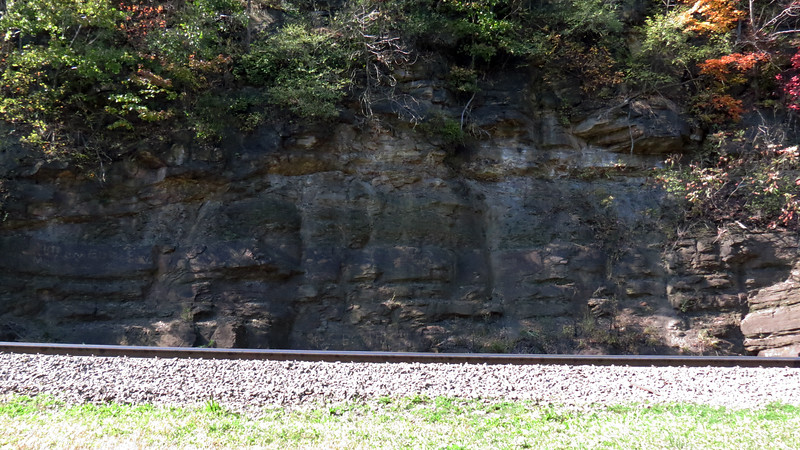 The combination of building a viewing park (1879), and adding more track (1898 and 1900), meant part of the rock face of Kittanning Point had to be removed to make room.