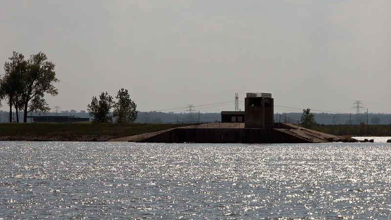 The photo above looks across the Mississippi River to the Lincoln Shields Recreation Area.  The viewing platform seen in the photo is actually a remnant of the old Lock and Dam Number 26 which was replaced in 1990.