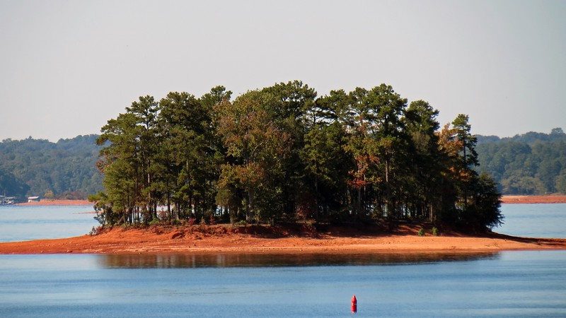 Several small islands are scattered about the lake.