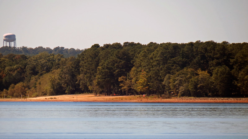 I zoomed in on the shoreline across the lake from where I was standing.  The photo above is of what looks like a recreation area.