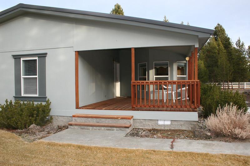 Front porch/deck