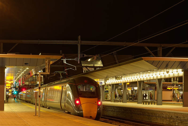 800017 waits at Reading with the 18:45 Paddington - Swansea on 20th March 2019.