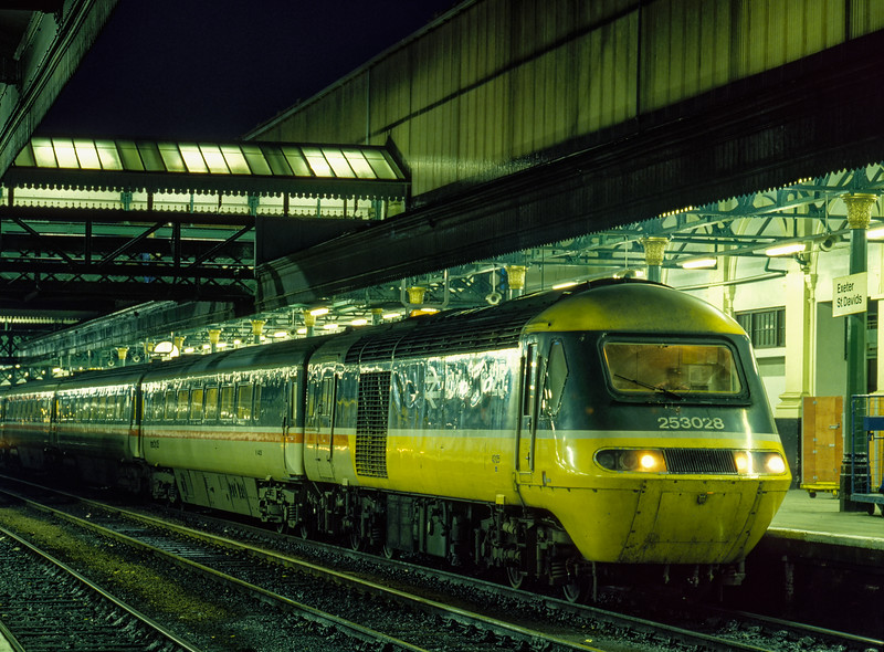 43125 at Exeter St Davids with the 14:45 Paddington - Plymouth, on 24th November 1984.